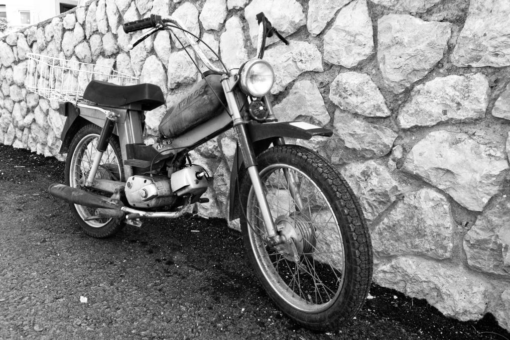 black-and-white-bike