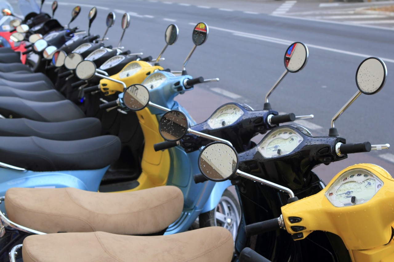 row-of-mopeds