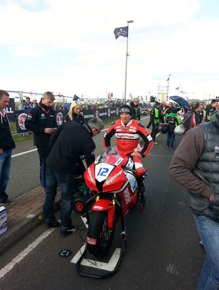 Keith Amor lookin serious ahead of the 6-lap Supersport race