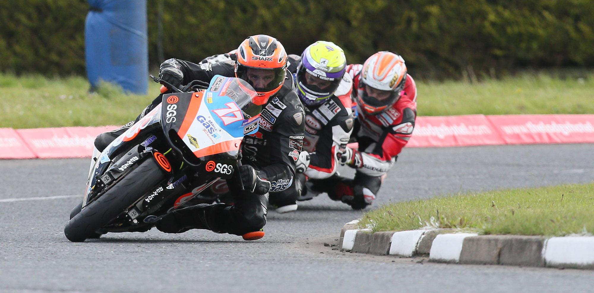 Ryan leads Jamie Hamilton and team-mate Jeremy McWilliams - Image courtesy of Pacemaker Press International