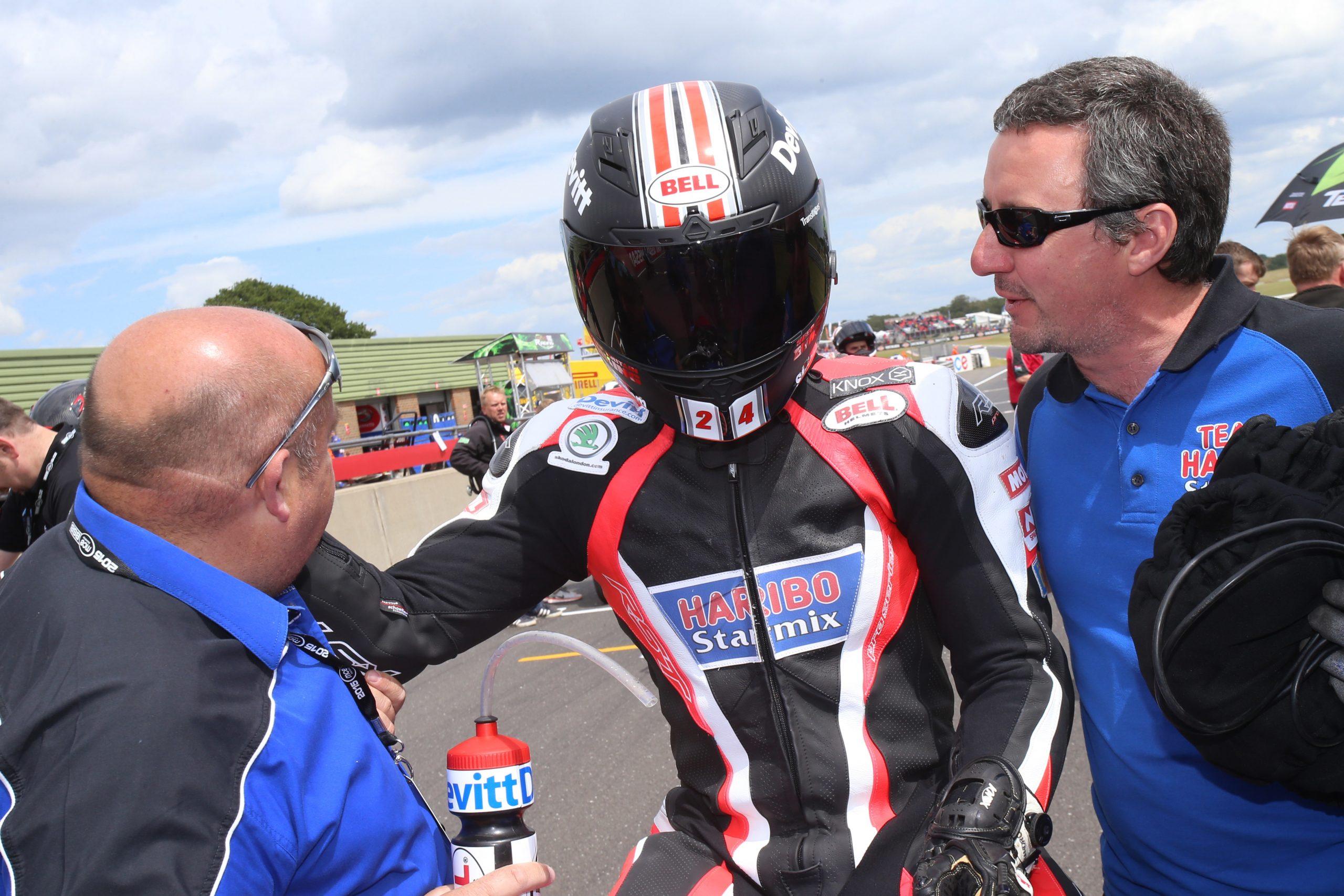 R04 Snetterton Jordan Gilbert 21-06-15 004