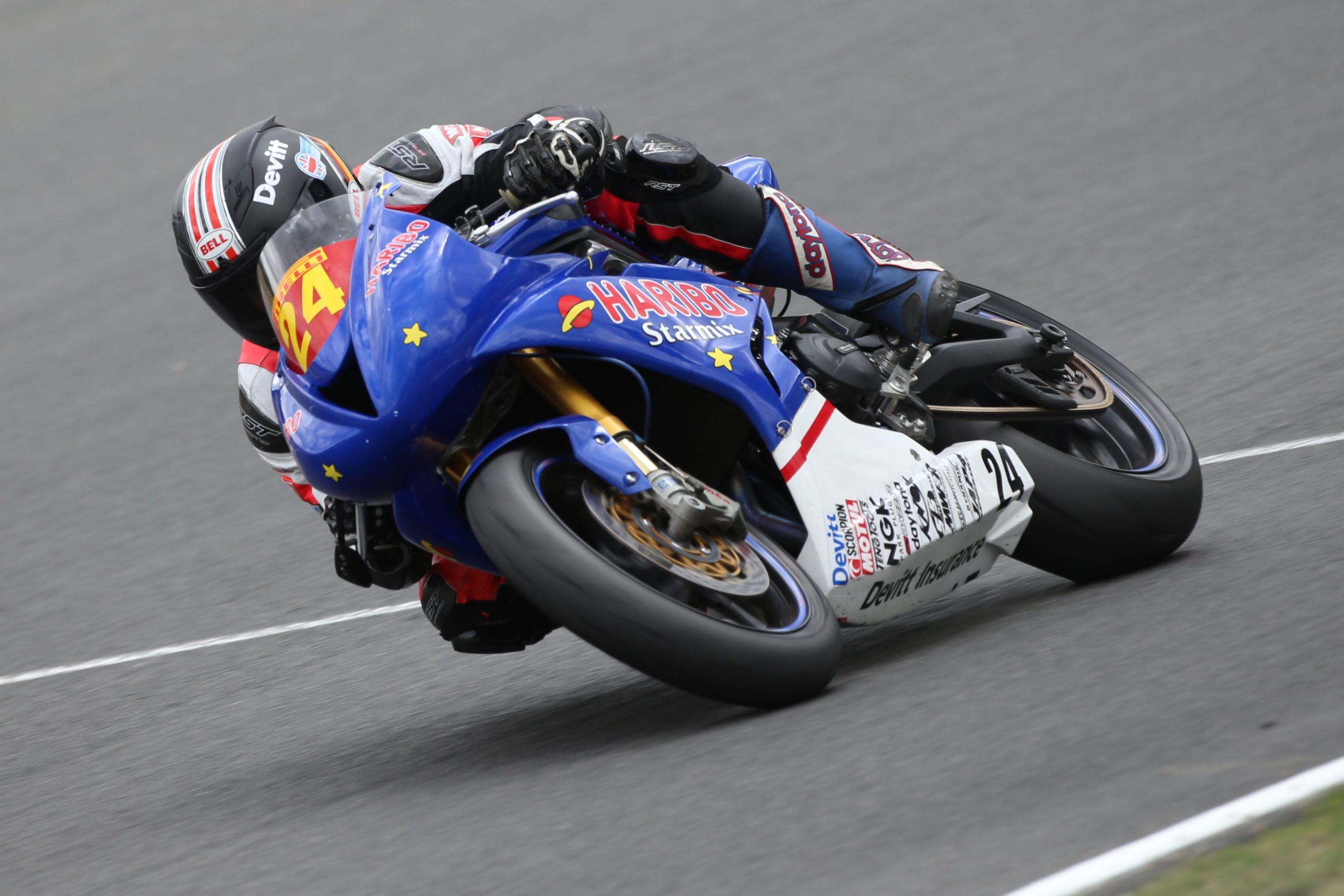R06 Brands Hatch Jordan Gilbert 19-07-15 023