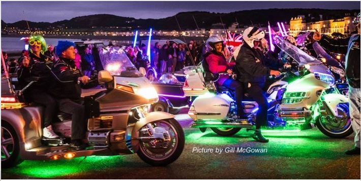 Llandudno Goldwing Light Parade
