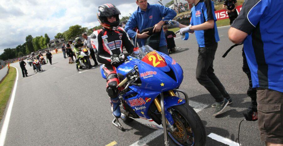 R06 Brands Hatch Jordan Gilbert 19-07-15 010
