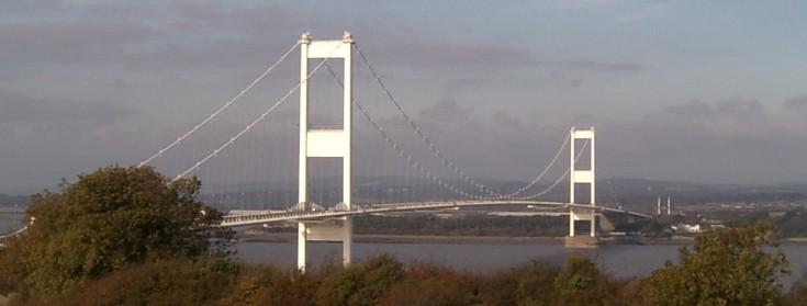 hoggin+the+bridge+photo