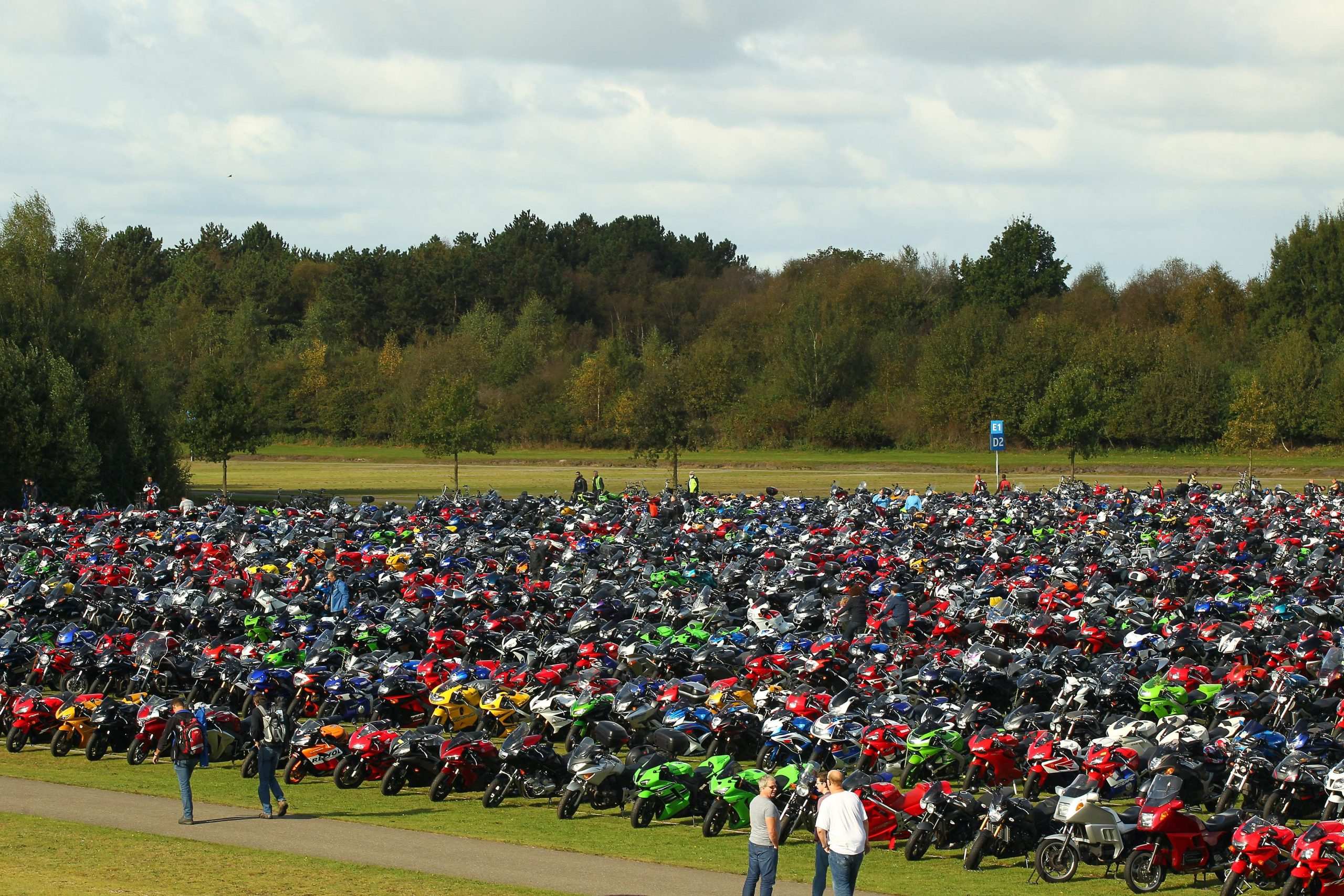 Full field of bikes BSB Holland image by Impact Images Photography