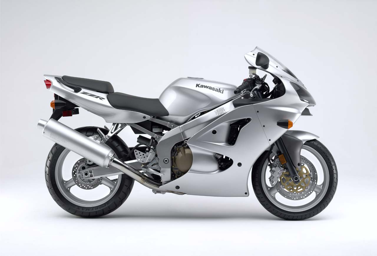 Kawasaki ZZR600 credit totalmotorcycles