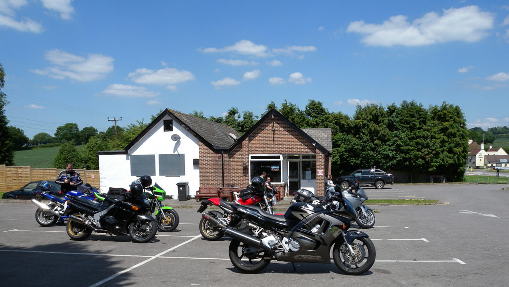 Loomies Moto Cafe outdoors credit Steve Parker Flickr