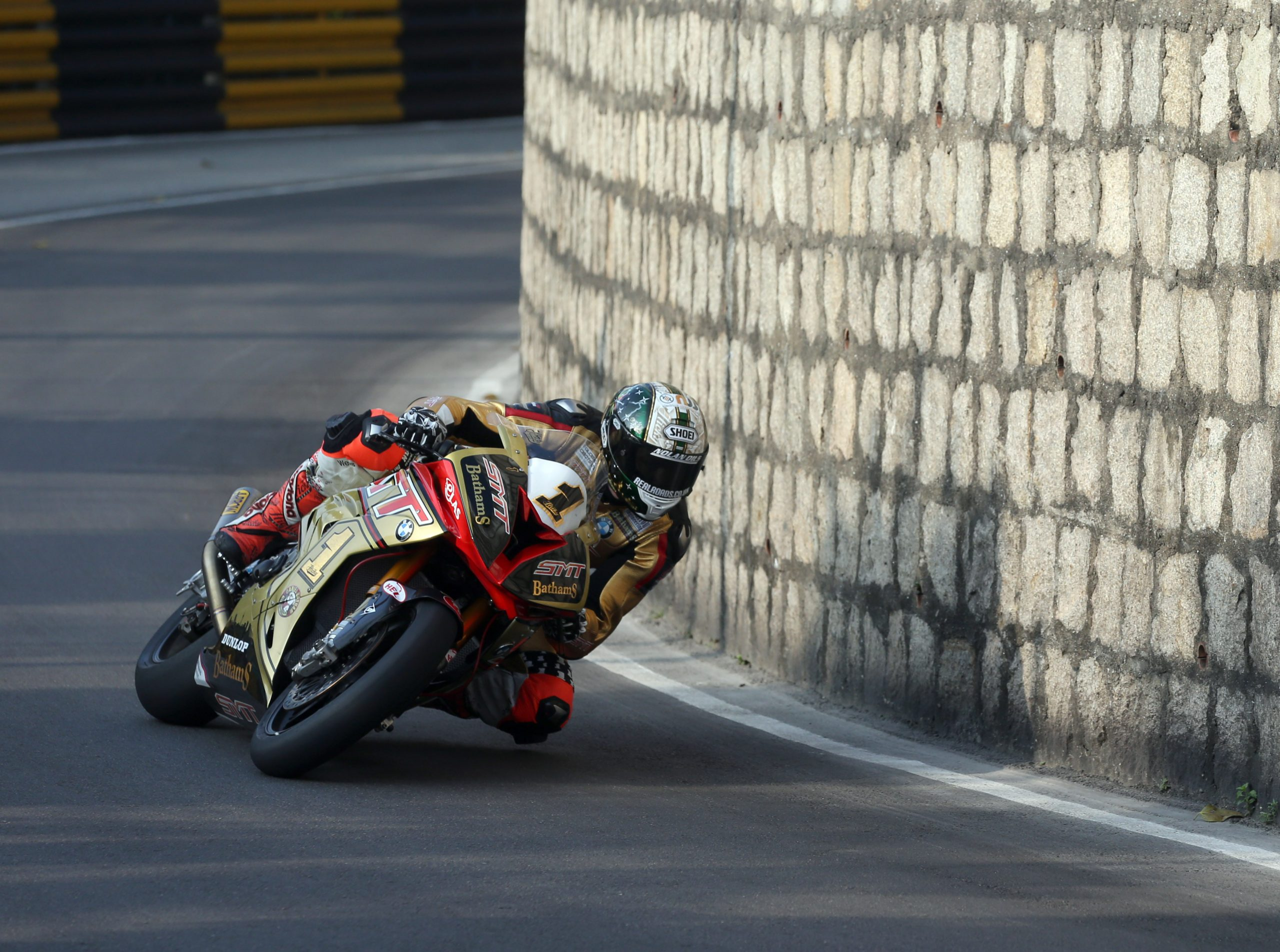 Peter Hickman Macau 2016 image credit by Stephen Davison (Pacemaker Press International)