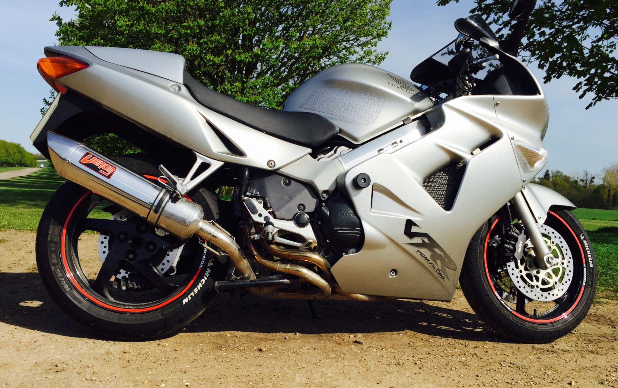 Al may – Honda VFR800