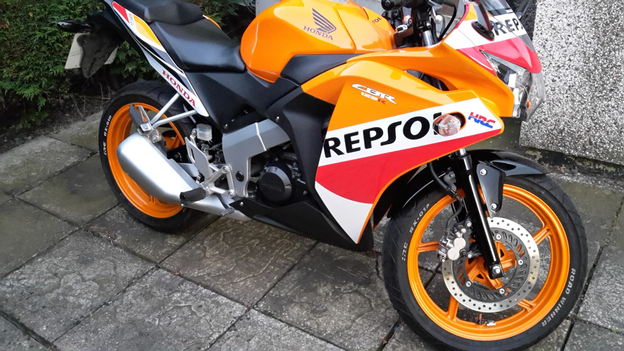 Handy Andy – Honda CBR125R