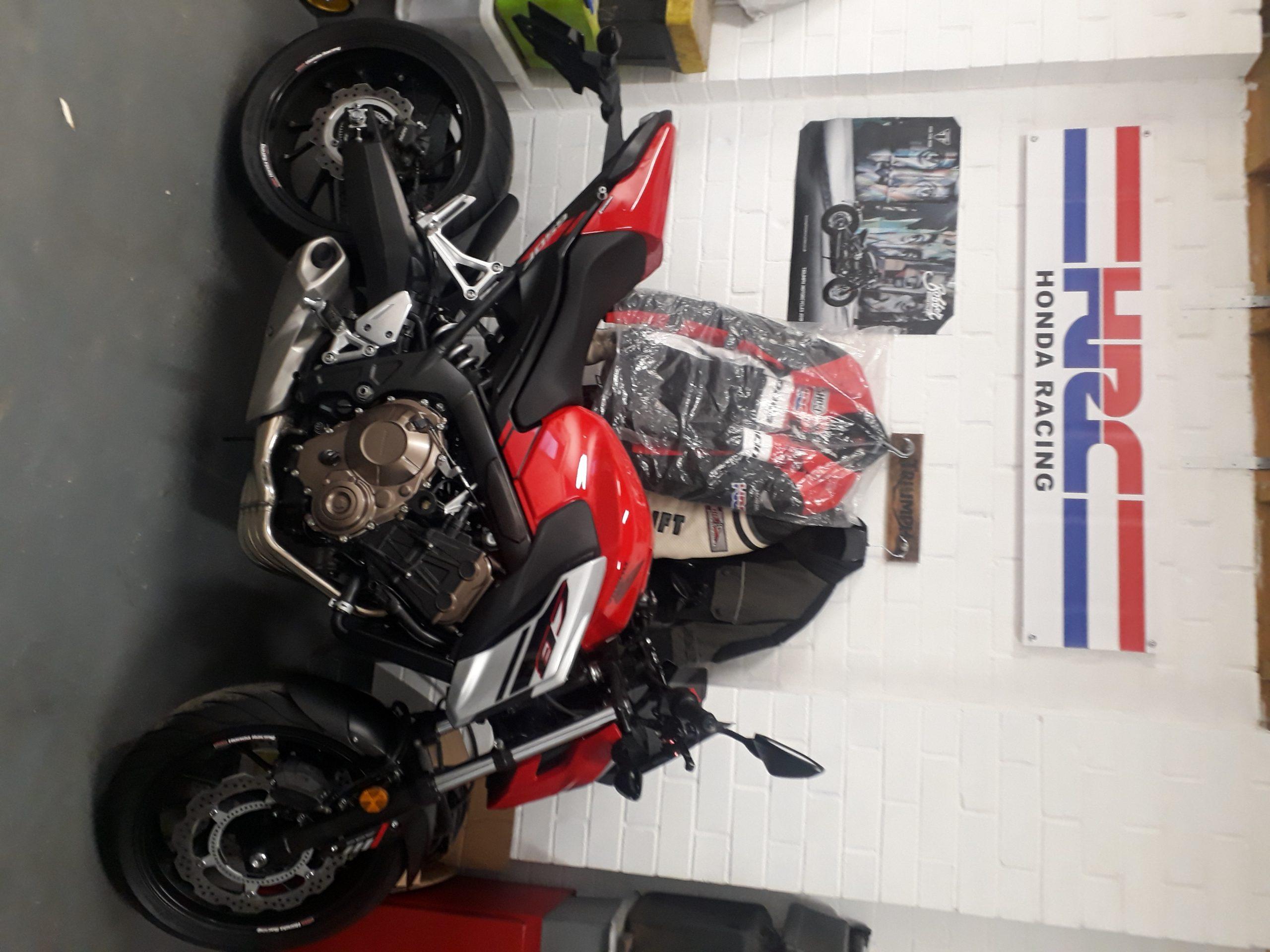 Honda CB650F – Lee 1