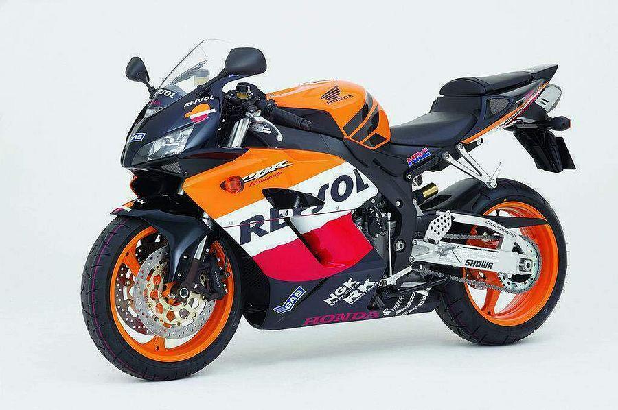 Honda-CBR1000RR-05-Repsol-3