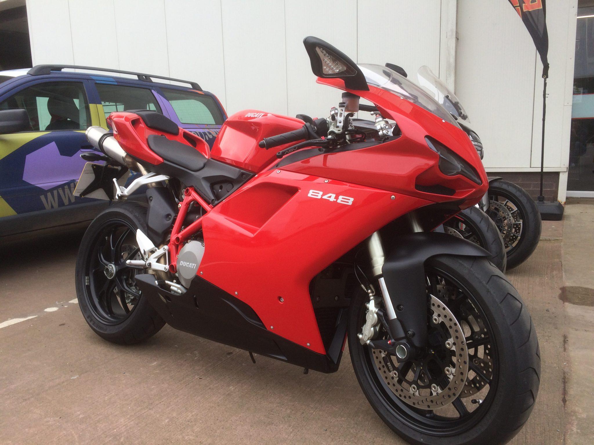 JamesyBoy – Ducati 848 2