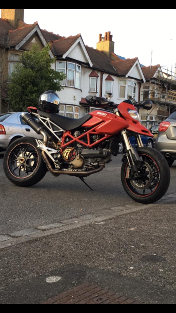Marcin – Ducati Hypermotard 1100