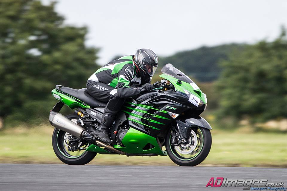 Mart – Kawasaki ZZR1400