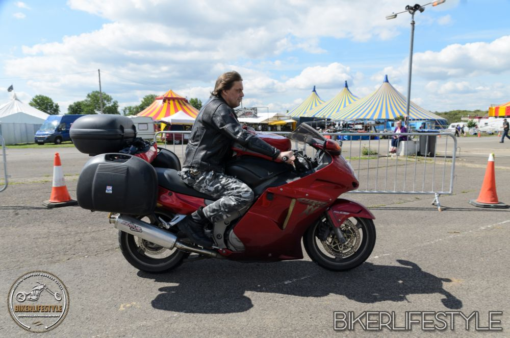 Mick Pearsall – Honda CBR1100XX Super Blackbird