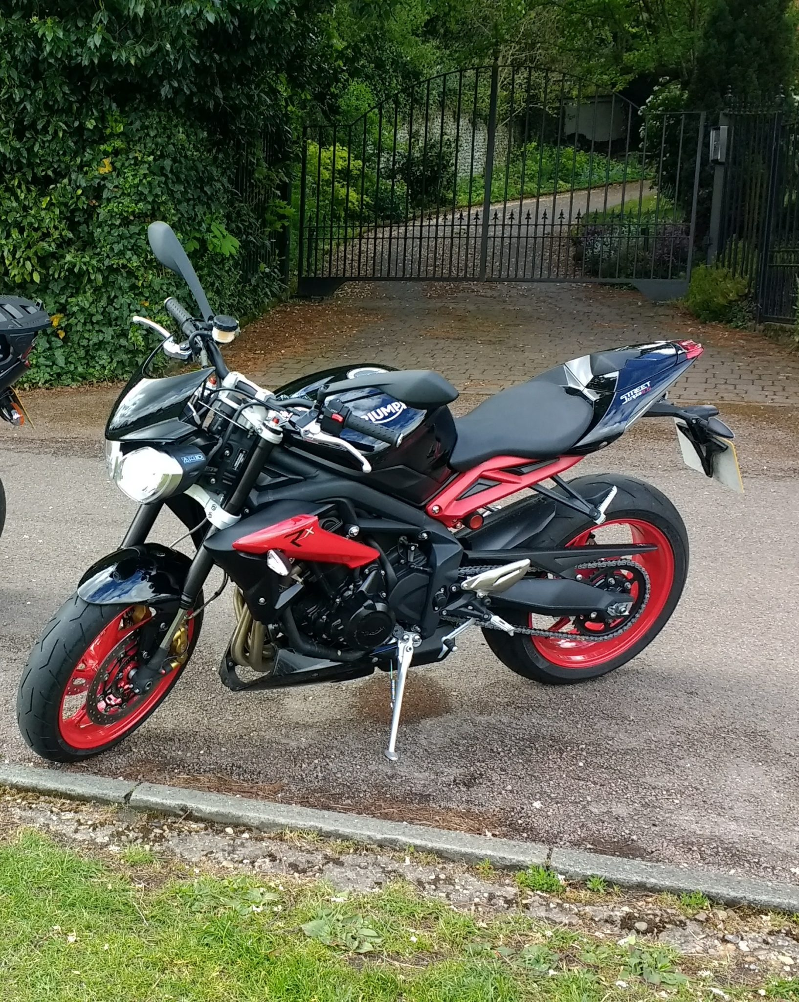 Paul Whitman – Triumph Street Triple 675 (2)