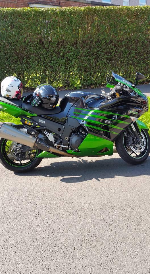 Phil Cooper – Kawasaki ZZR1400 (2)