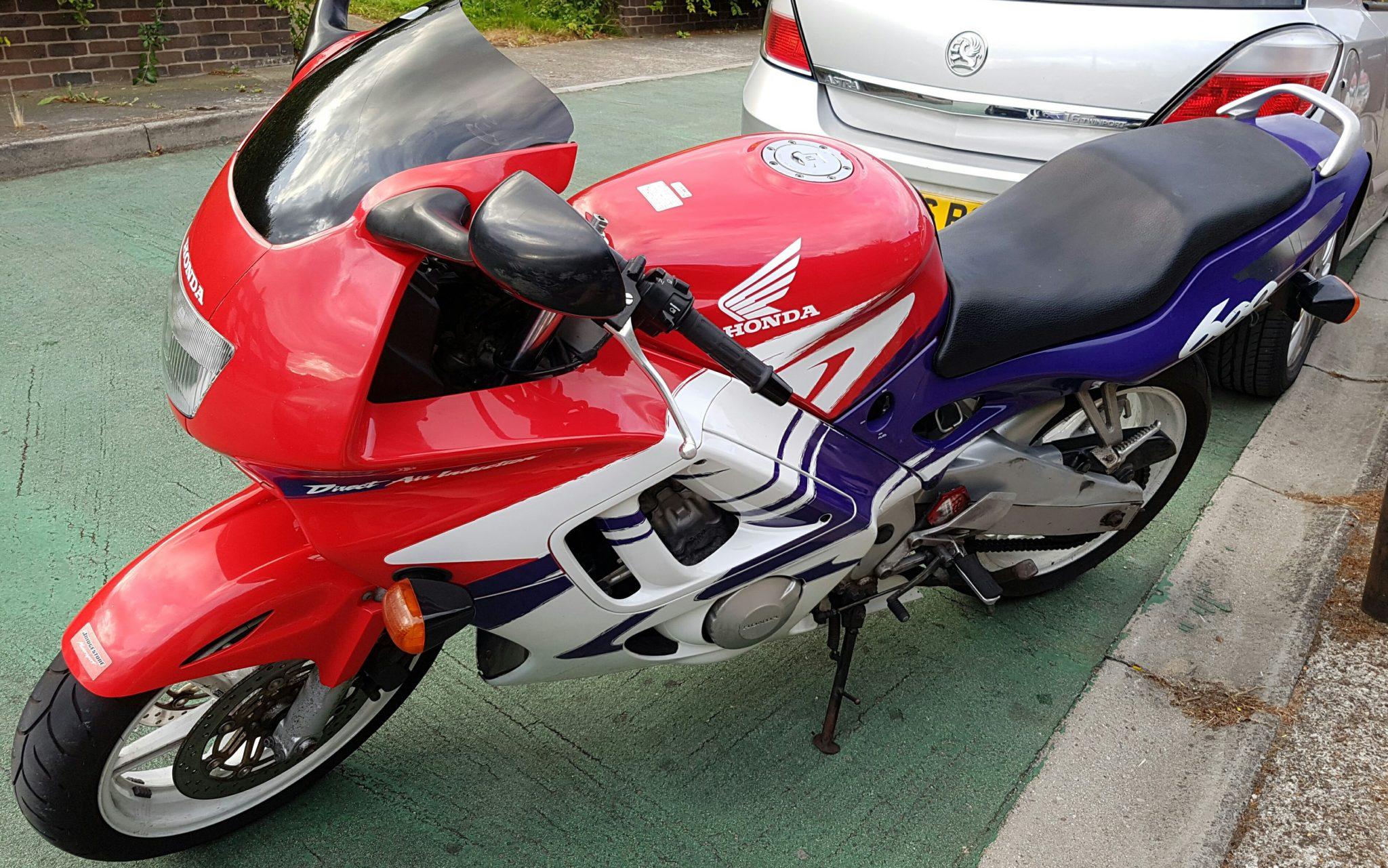 Simon Webb – Honda CBR600F