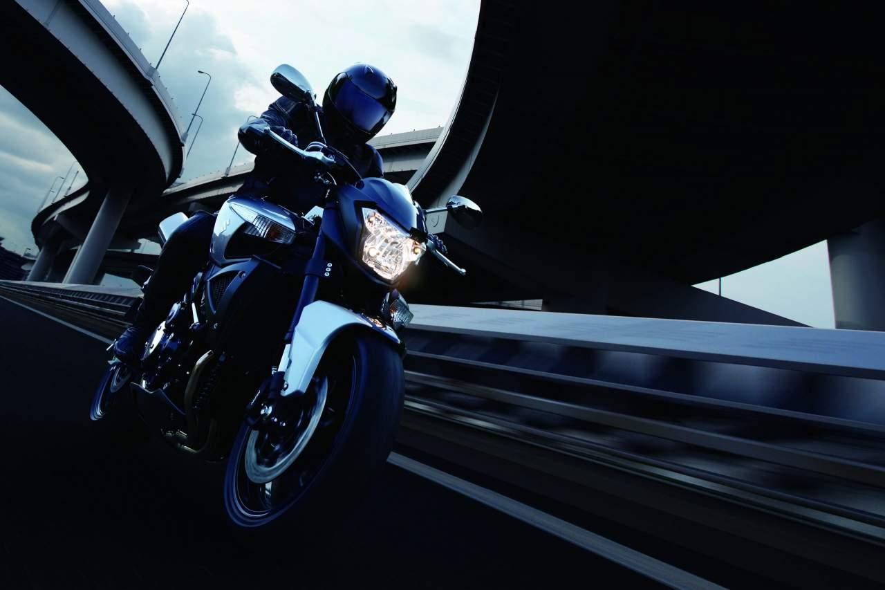 Suzuki GSX1300 B-King