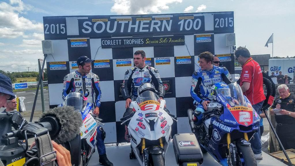 Corlett Trophies 600 1000cc 2015 Michael Dunlop, Guy Martin and Dean Harrisson image credit @S100isleofman