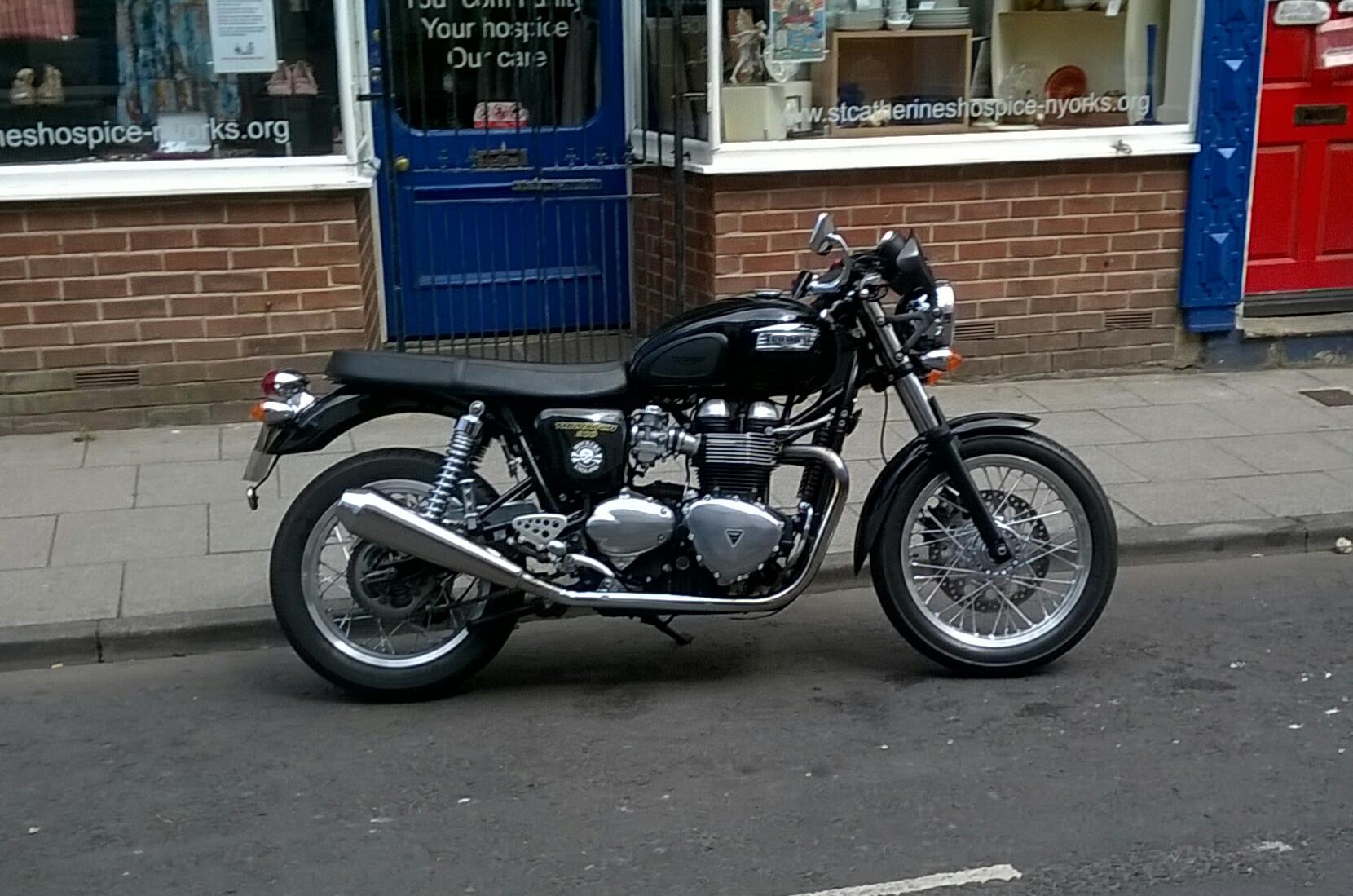 Ian – Triumph Thruxton 900