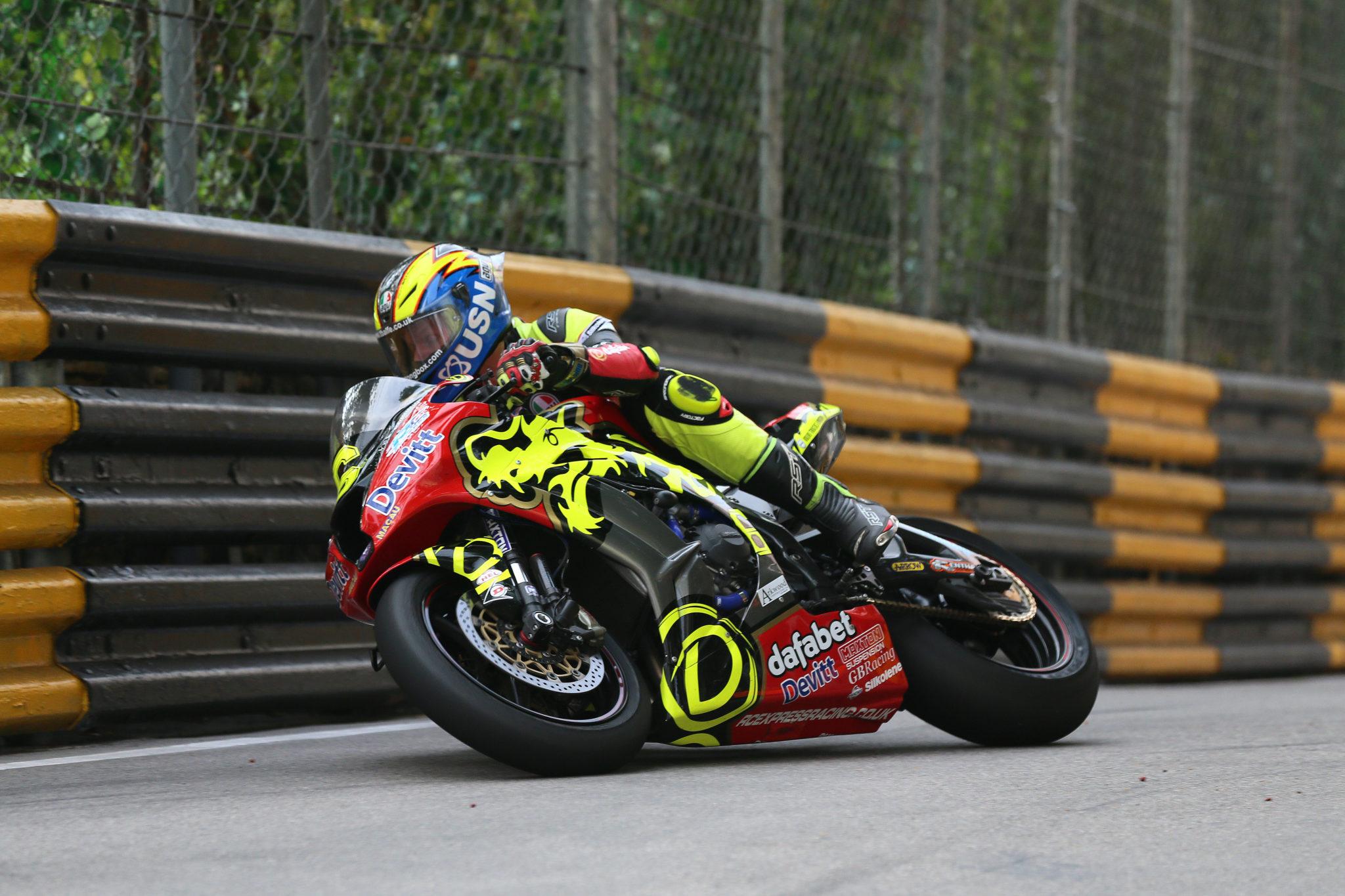 PACEMAKER, BELFAST, 17/11/2017: Ivan Lintin (Devitts Dafabet Kawasaki) at Moorish Hill during final qualifying for the Macau Grand Prix.