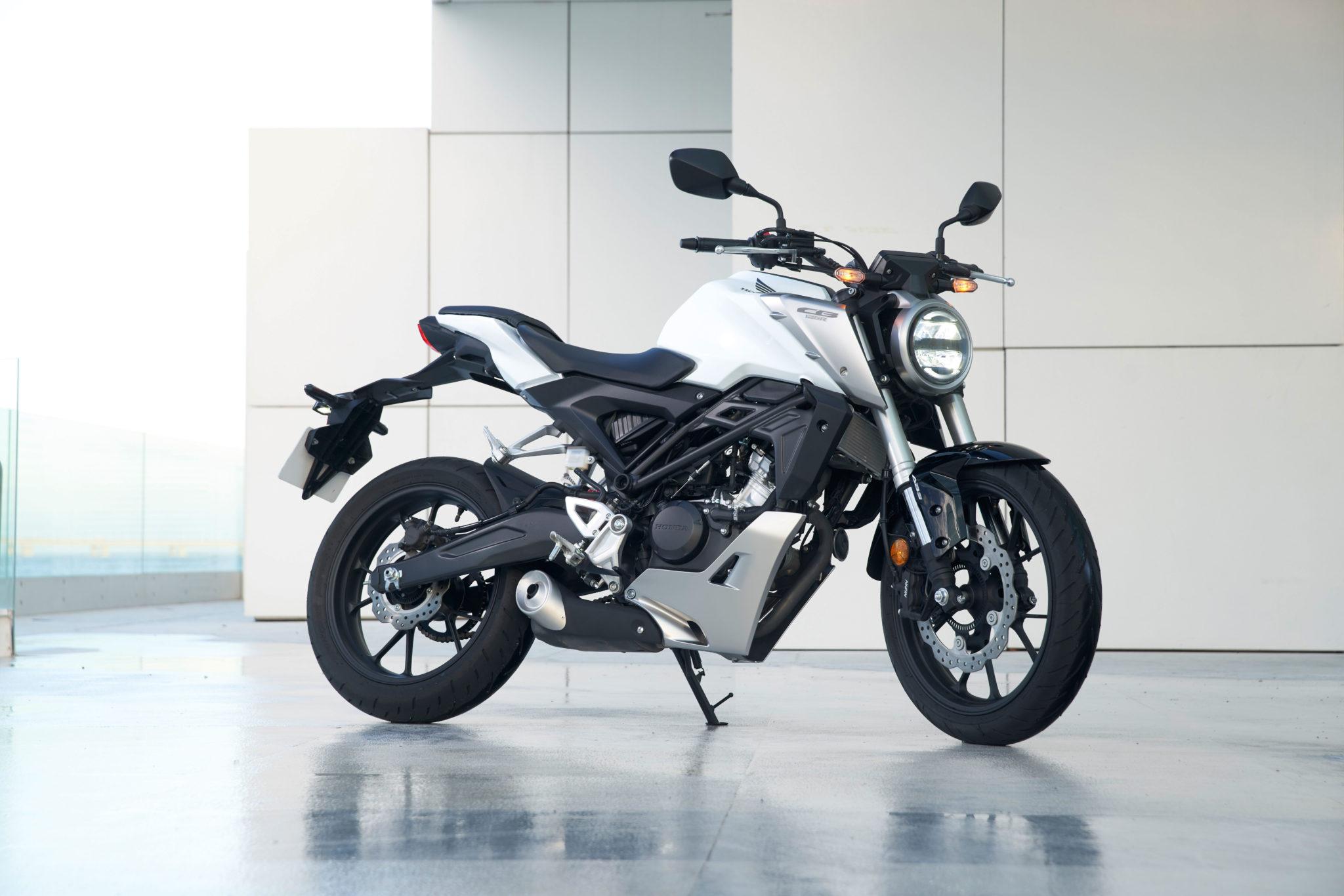 51098_Honda CB125R YM18 303