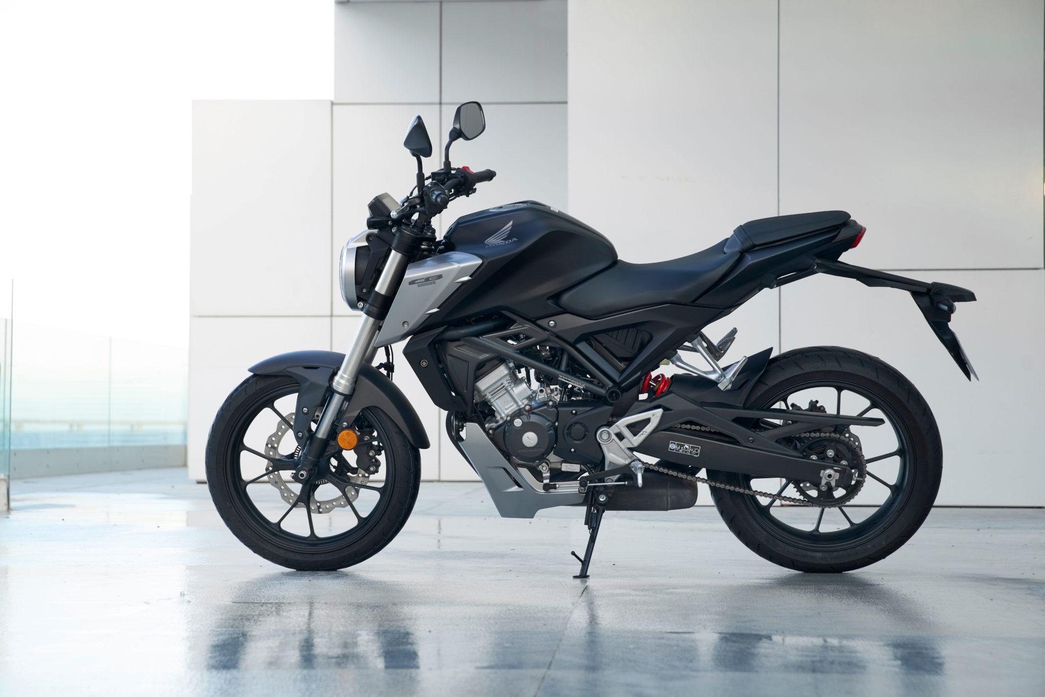 51100_Honda CB125R YM18 305