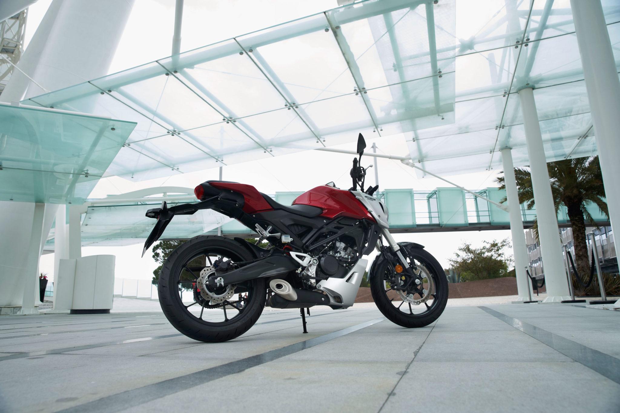 51106_Honda CB125R YM18 312