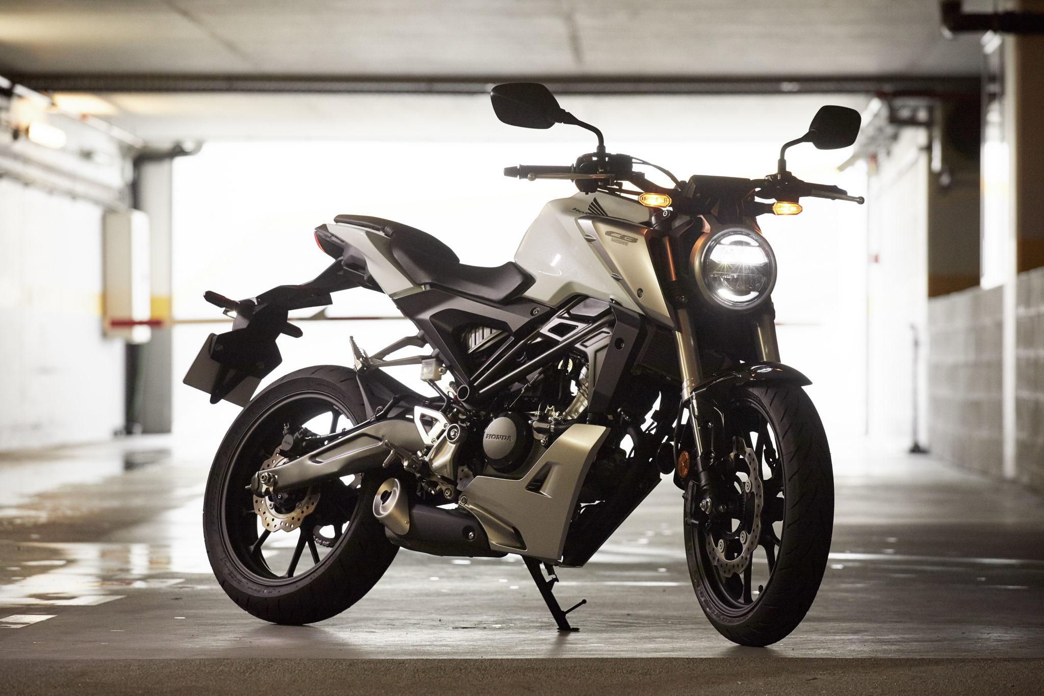 51133_Honda CB125R YM18 343