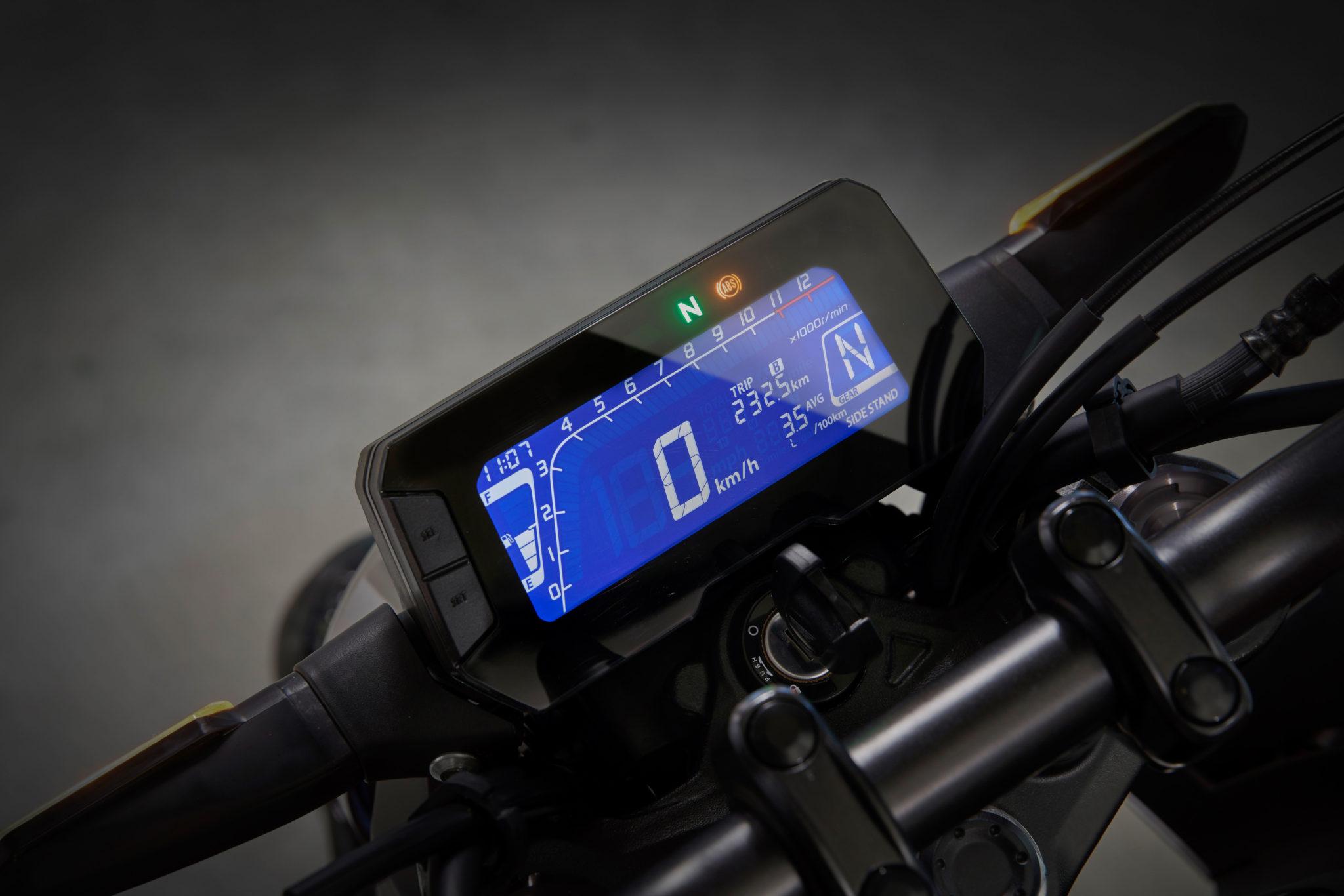 51139_Honda CB125R YM18 350
