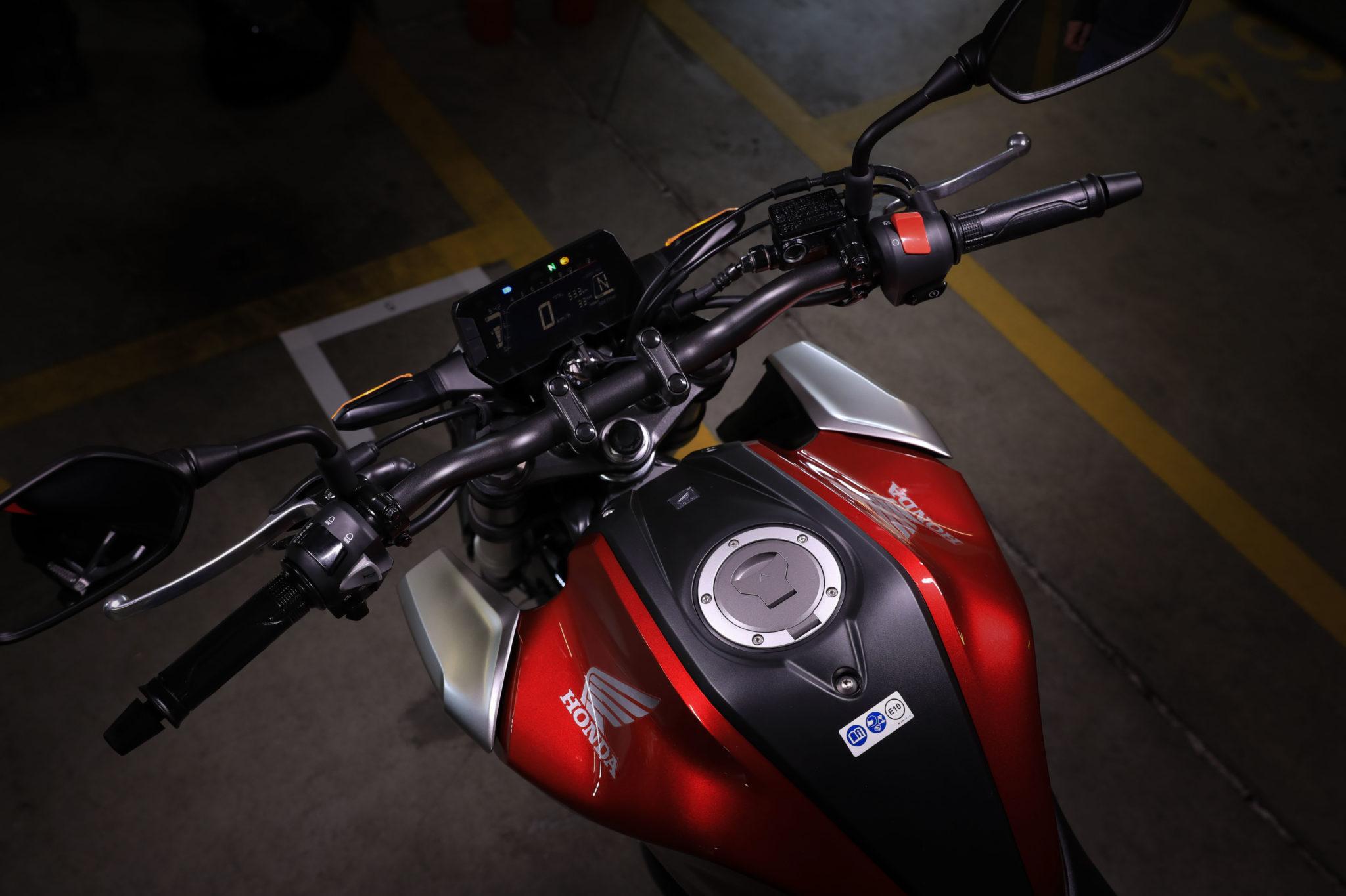 51171_Honda CB125R YM18 381