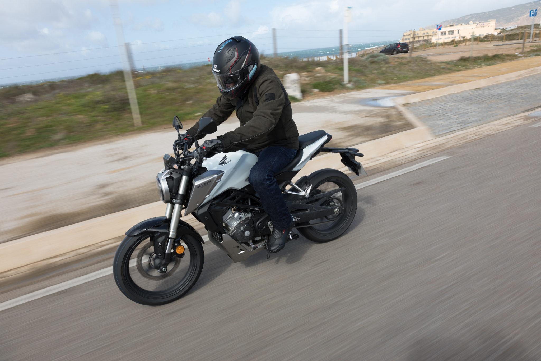 51500_Honda CB125R YM18_1065