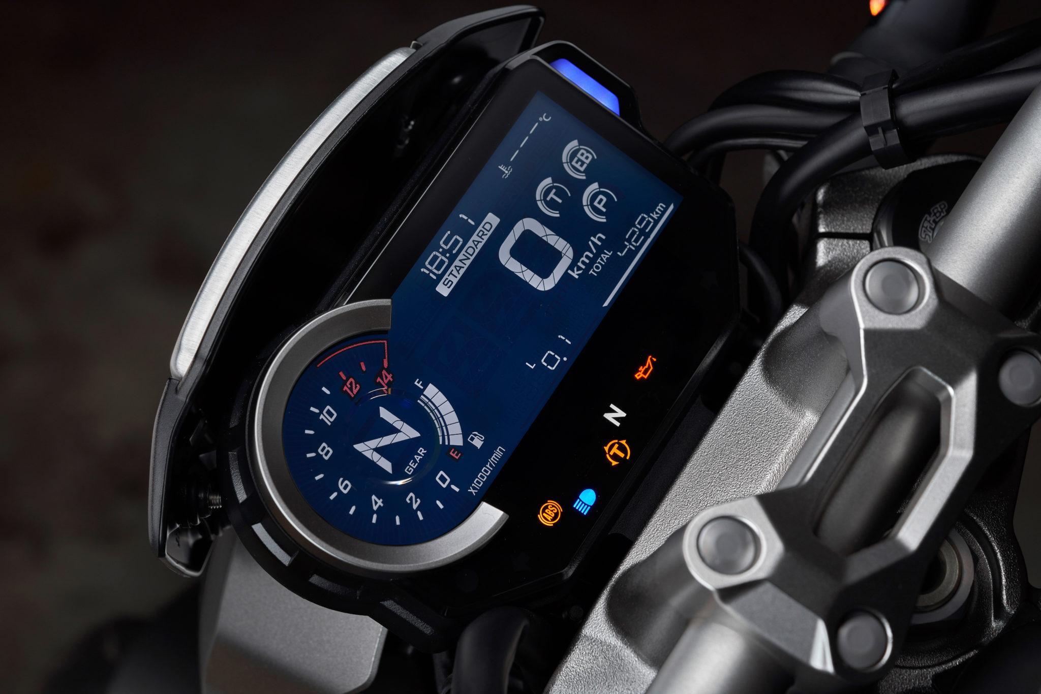 55098_Honda CB1000R YM18 150