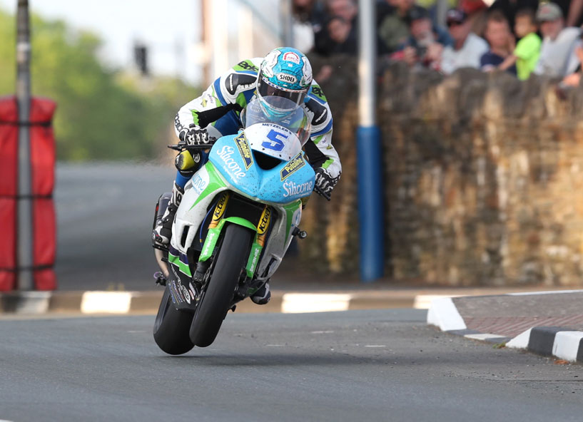 Dean Harrison impressed in practise credit iomtt.com