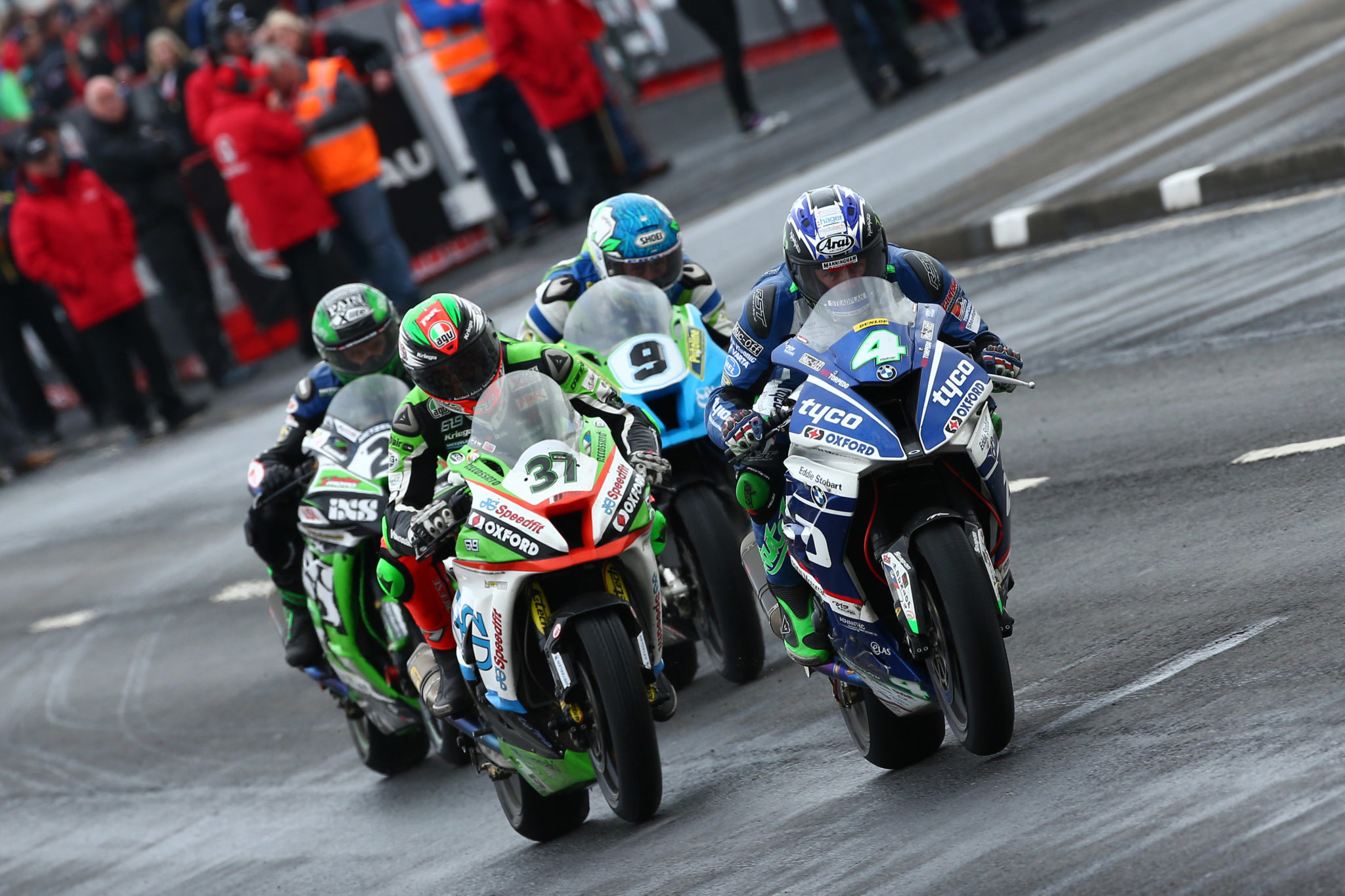 Pack action at North West 200 credit Impact Images