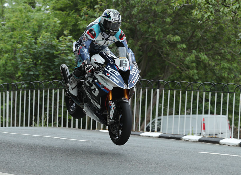 Dunlop took three race wins at the 2018 TT credit iomtt.com