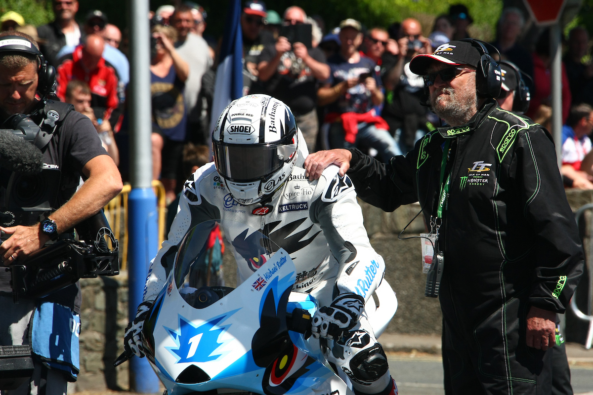 Michael Rutter gets set for a lap on the Mugen credit Double Red