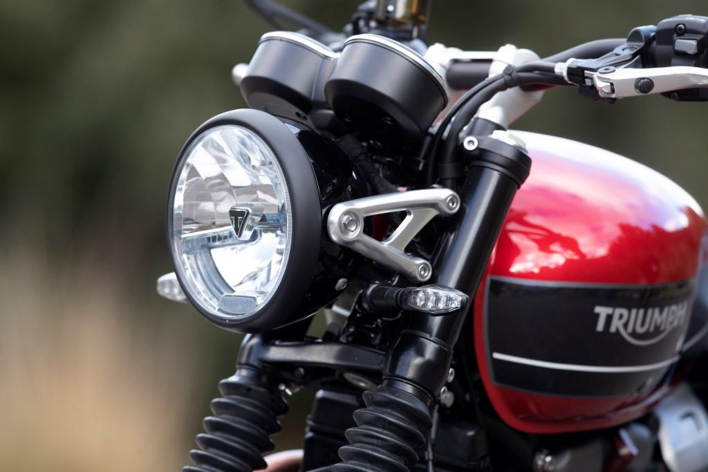 motorcycling innovations triumph speed twin