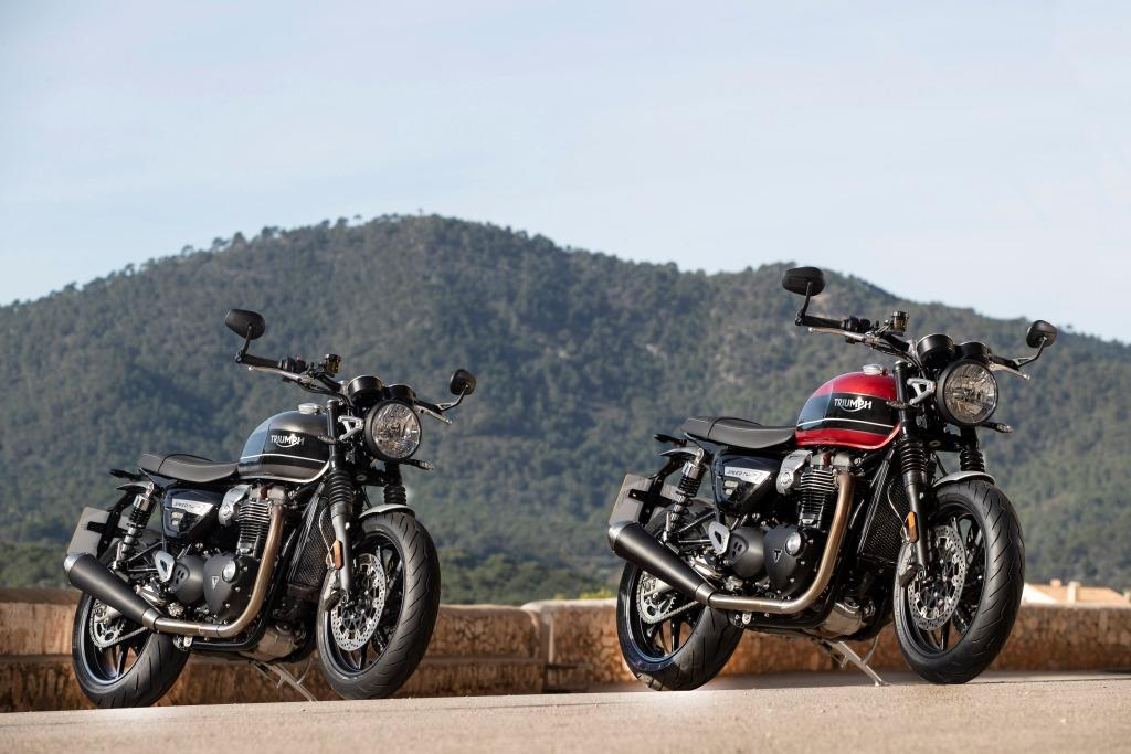 Speed Twin Hero Silver and Red Statics_001