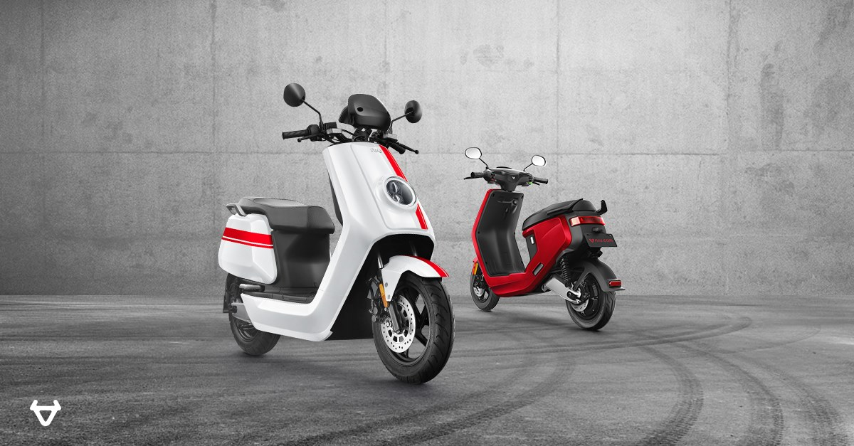 NIU scooters red and white