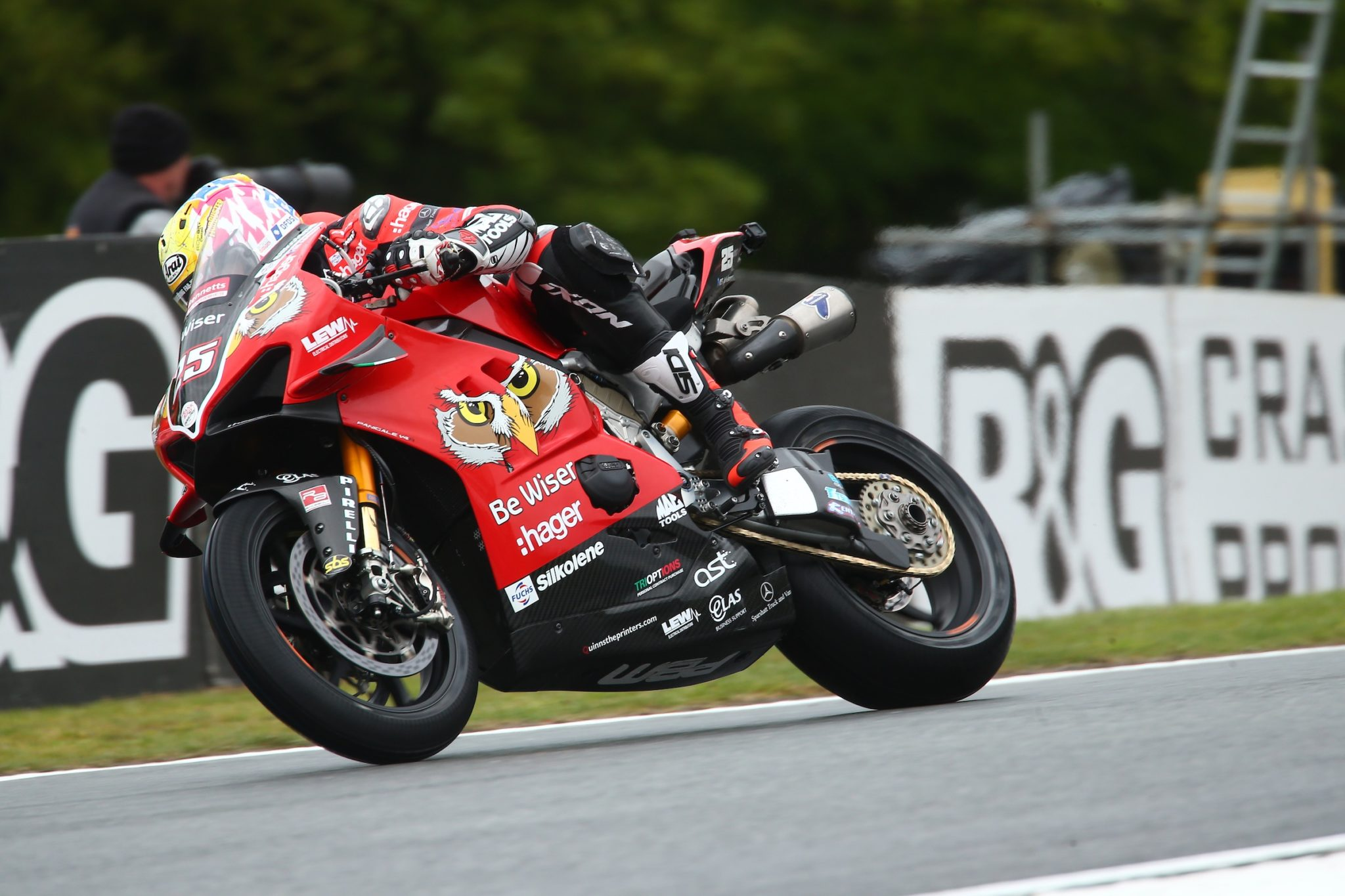 Brookes on his way to a win credit Double Red