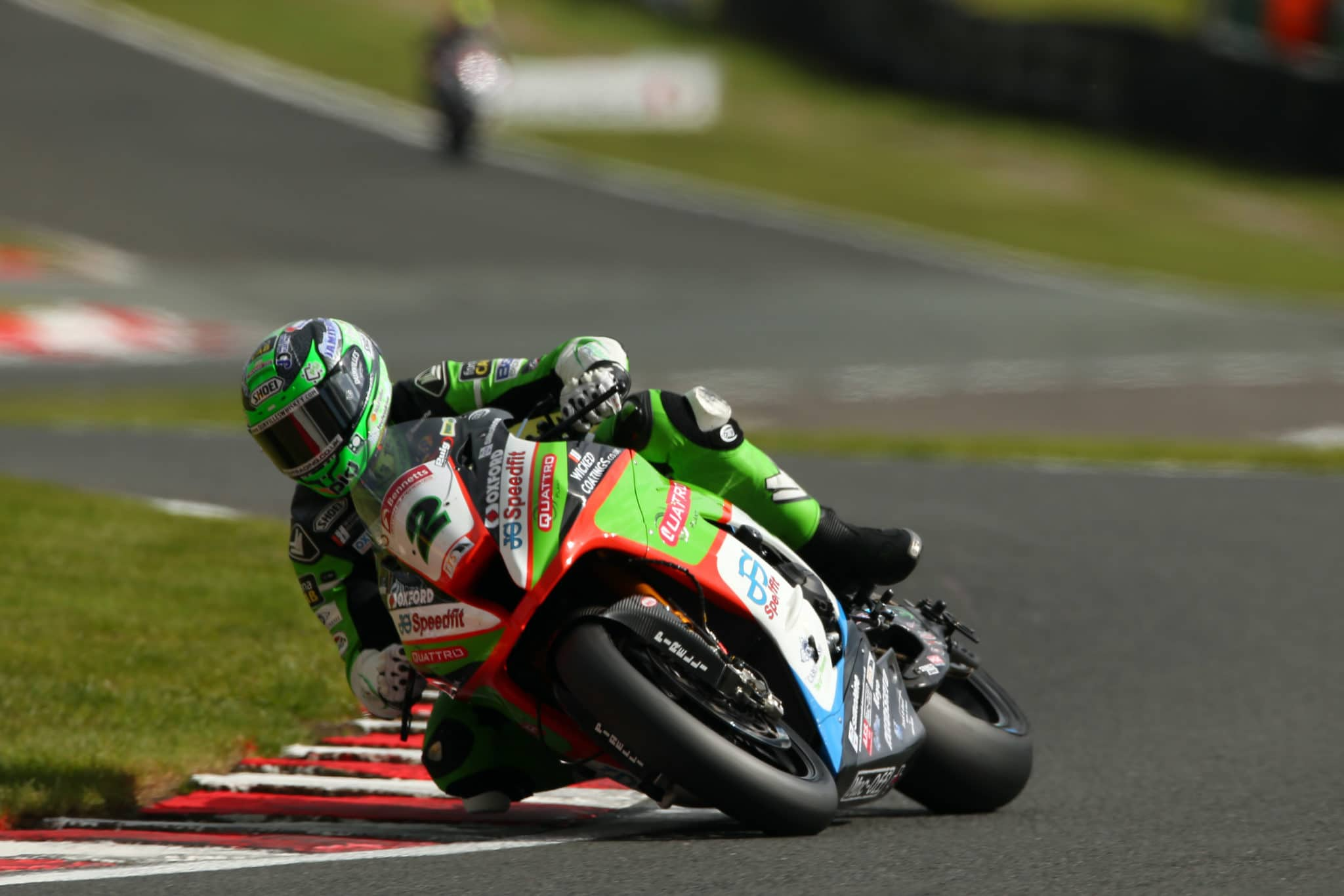 Glenn Irwin racing at Oulton Park 2019 BSB