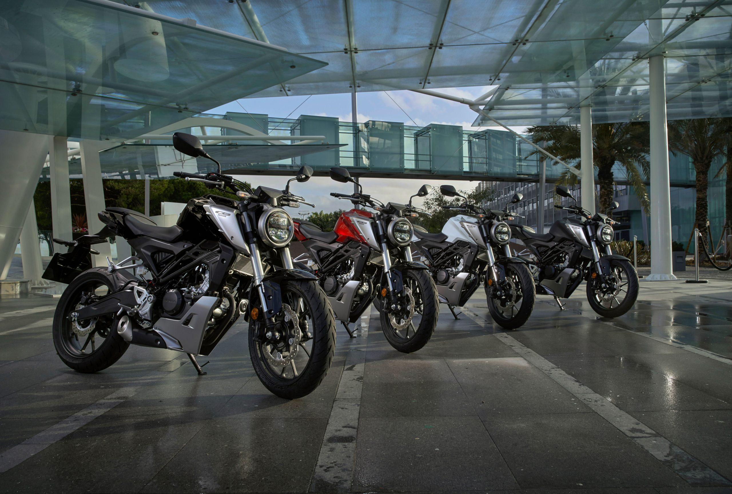 51096_Honda CB125R YM18 300