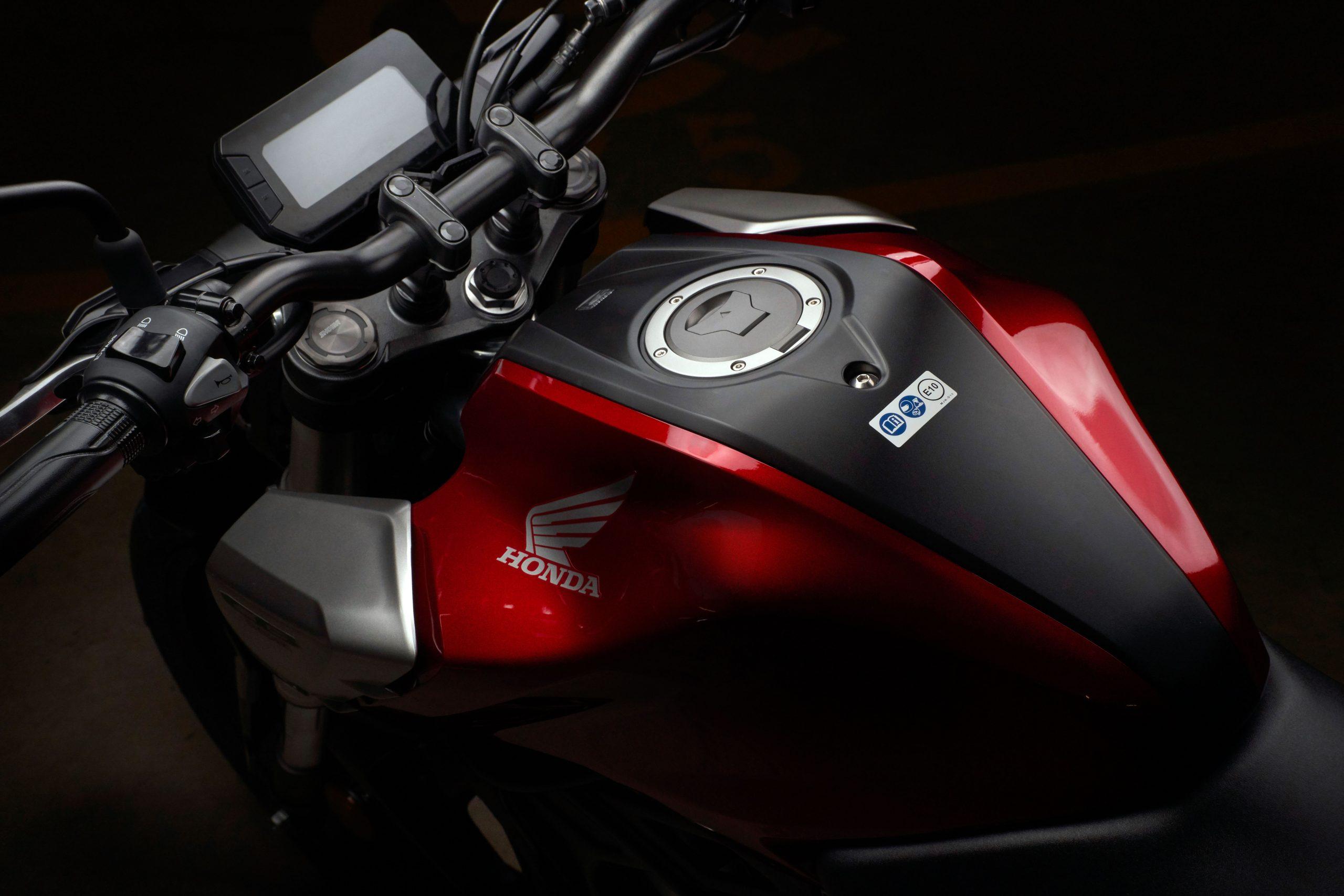 51149_Honda CB125R YM18 359