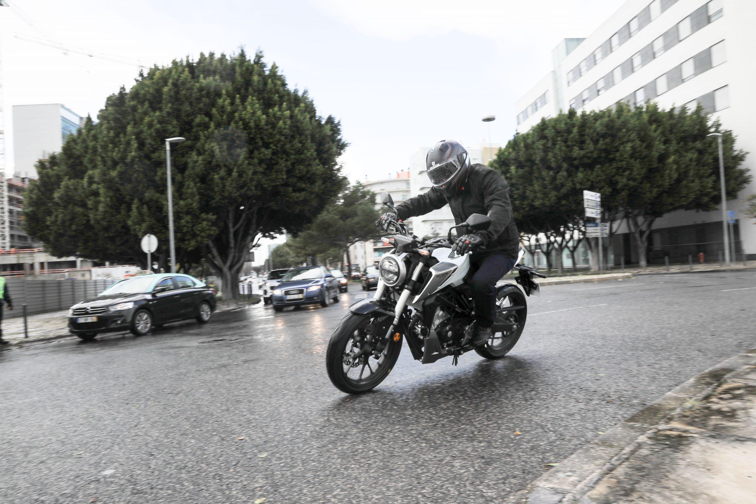 51207_Honda CB125R YM18 5007