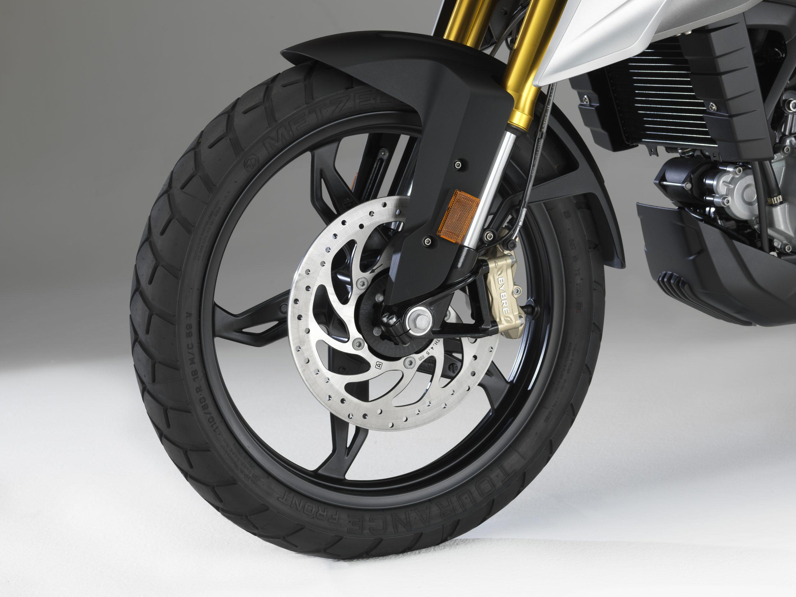 P90241860_highRes_bmw-motorrad-g-310-g