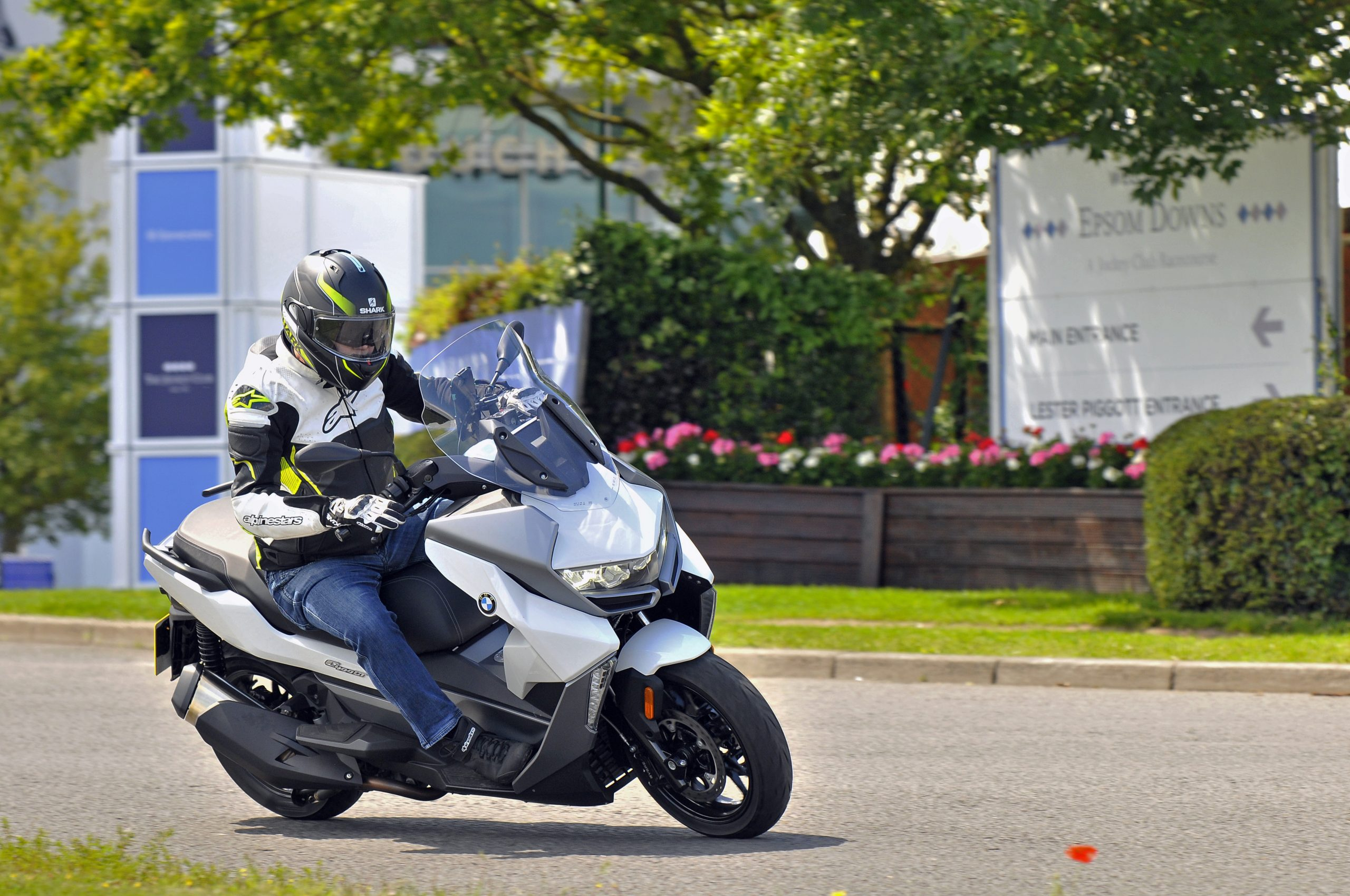BMW C400 GT in action